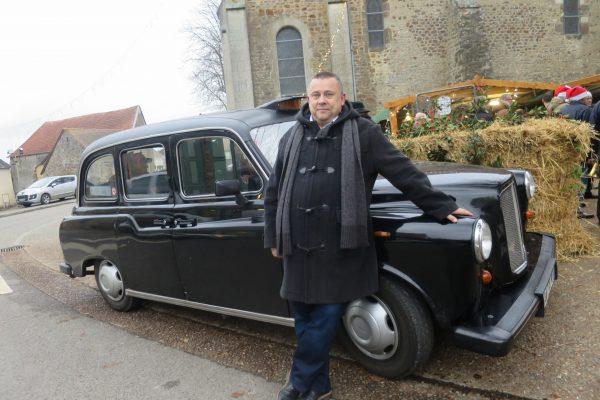 Dominique Tournelle et son taxi